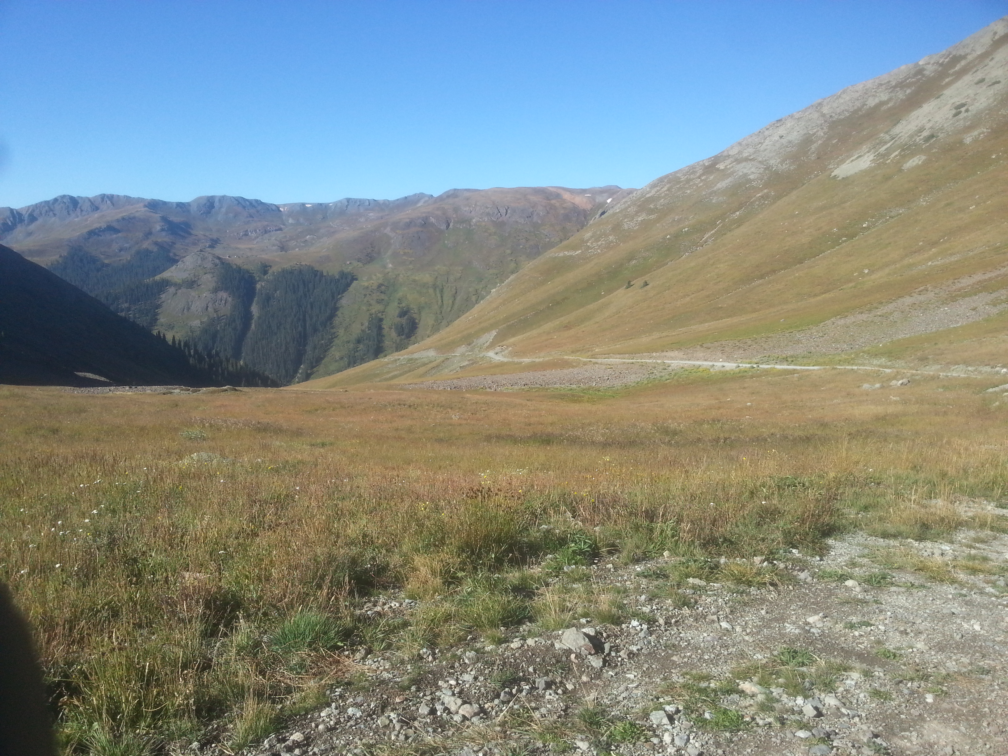 road down the other side of Cinnamon Pass